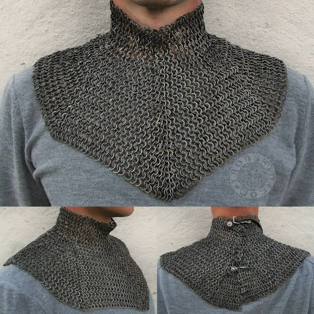 Chainmail collar with buckles and hook.